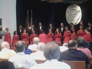 Cerró con una magnífica interpretación coral la Schola Cantorum Coralina